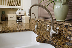 white undermount sink Granite kitchen T & T Stone